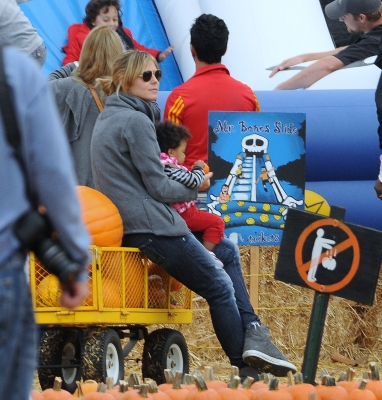 Heidi Klum at the Pumpkin Patch